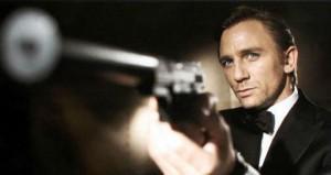 007 pointing gun