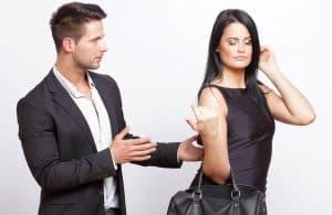 girl making guy miss her